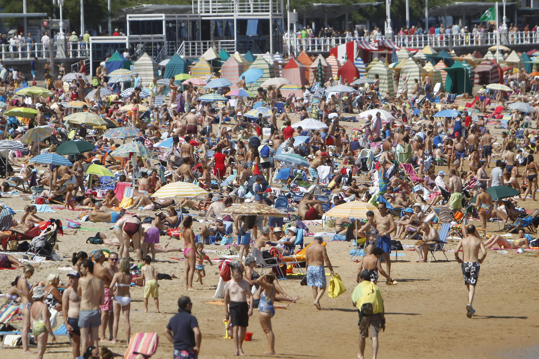 Verano en la playa de san lorenzo gij n fotos de el tiempo - El tiempo gijon detallado ...