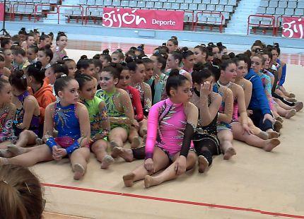 grupo gimnastas