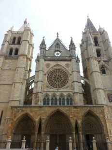 Camino de Santiago: Mansilla de las Mulas - León  20 kms