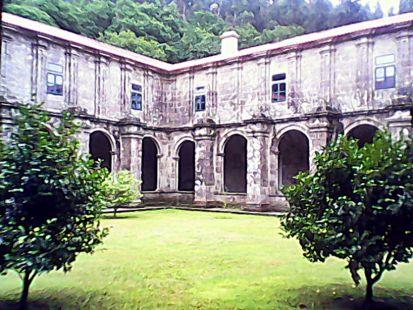 patio monasterio
