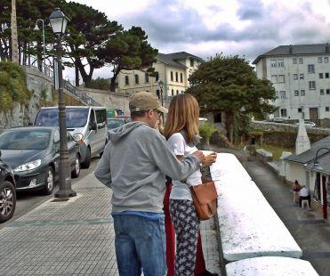 turistas en Luarca
