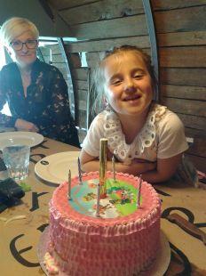 cumpleaños 8mayo Anelie